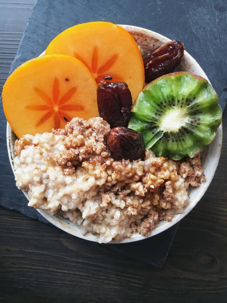 steel cut oats toppings with persimmon and kiwi